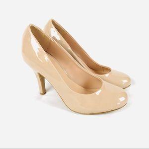Kelly & Katie nude beige glossy heels round toe